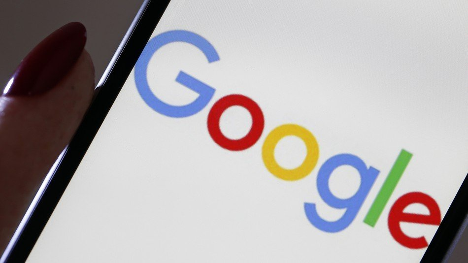 Google to serve up rival apps